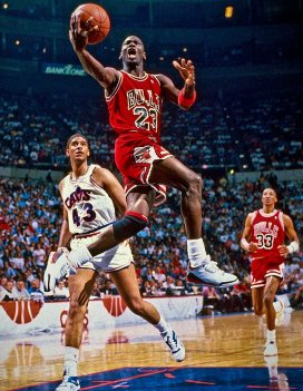 1988-0505-Michael-Jordan-Brad-Daugherty-079086515
